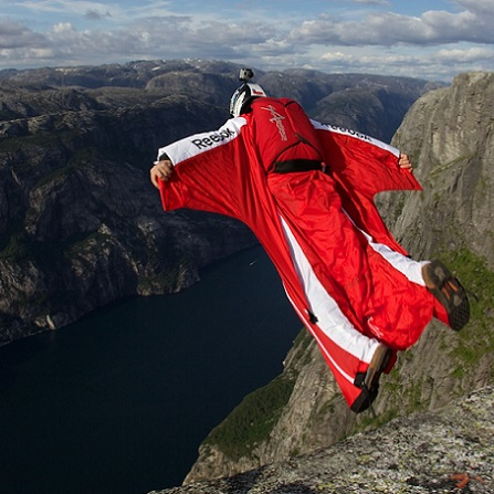Atestat informatica Wingsuit Flying